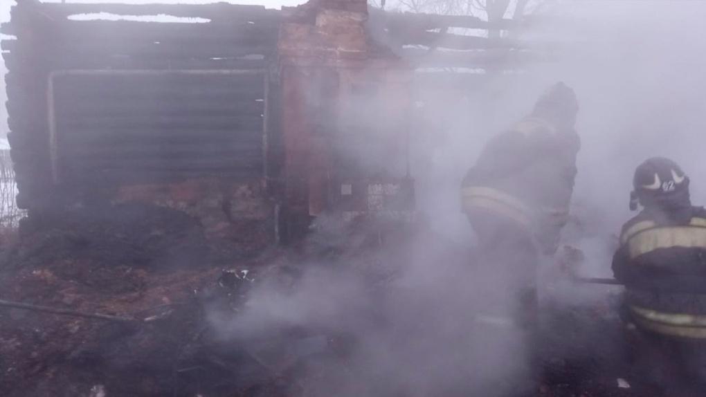 Семейная пара, 16-летняя школьница и родственница: стало известно кто погиб при пожаре под Новосибирском