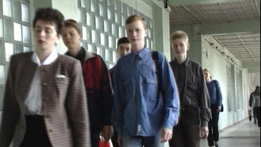 В сети появились кадры из жизни новосибирских студентов в «лихие» 90-е