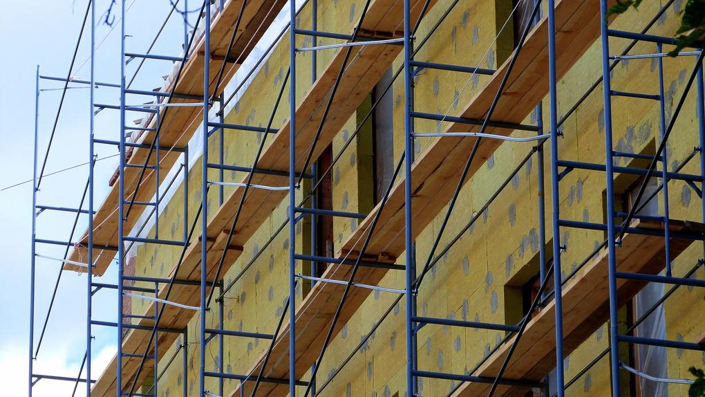 В Омске начался сезон капитального ремонта домов