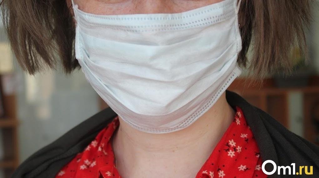 «Трачу 148 тысяч рублей в день на маски»: глава омского «Хлебодара» о работе в период самоизоляции