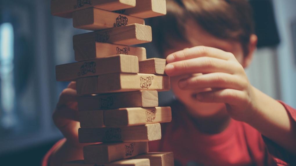 Маленький омич, которого пытали родители, рассказал, какое желание он загадает на Новый год