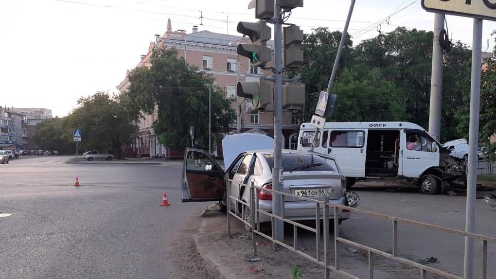 ВДТП спассажирской «Газелью» пострадали три человека