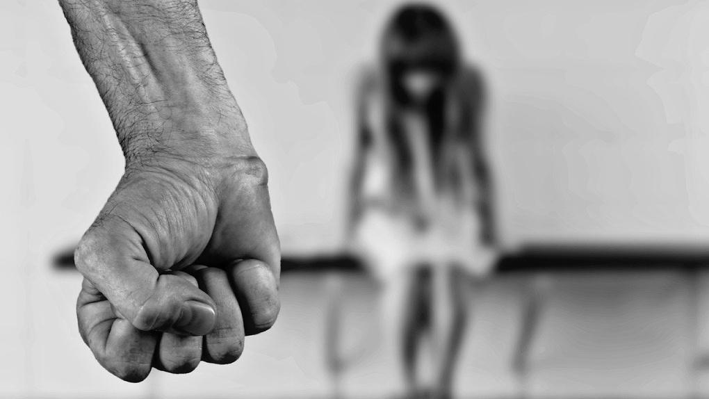 Труп полуголой изнасилованной женщины обнаружили под Новосибирском