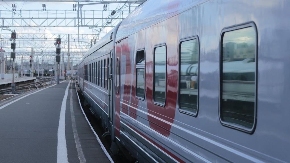 Официантка поезда Новосибирск — Новый Уренгой украла у пассажира 120 тысяч рублей