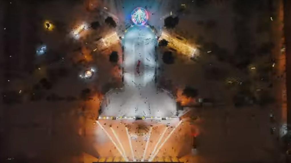 Знаменитый на всю Россию новосибирский каток в форме фаллоса попал на видео