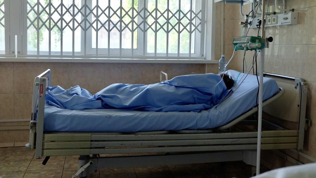 С бабушкой потеряли связь: в новосибирском ковидном госпитале скрывают информацию о пациентах?