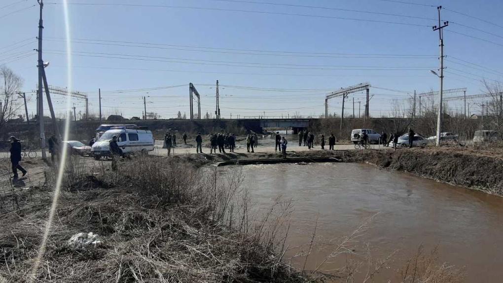 Появилось видео с места гибели шестилетнего новосибирца в реке Власихе