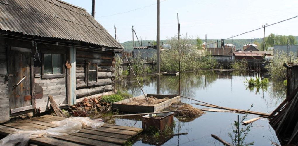 В Усть-Ишимском и Знаменском районах из-за подтопления ограничено движение транспорта