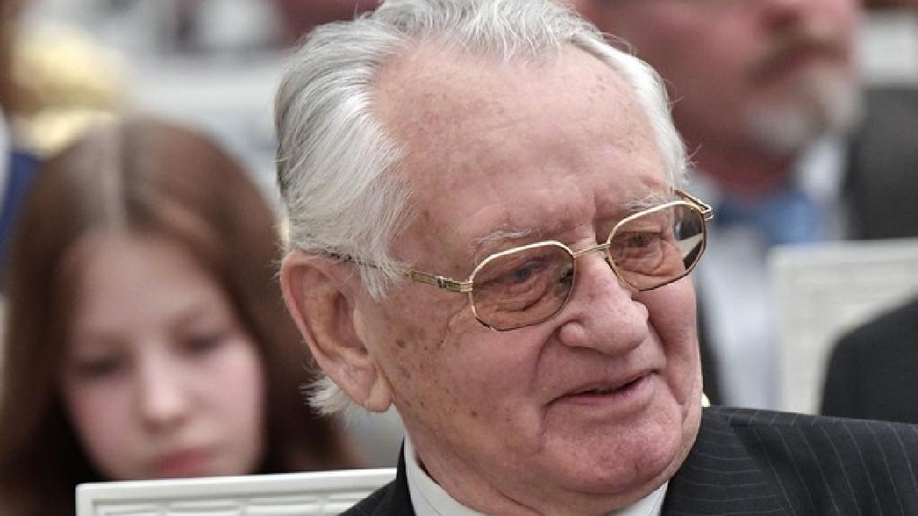 Ушел из жизни первый конституционный омбудсмен в России Олег Миронов