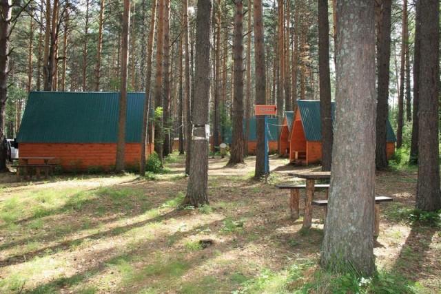 На озере Линево Омской области исчез мусор и появились туалеты и умывальники