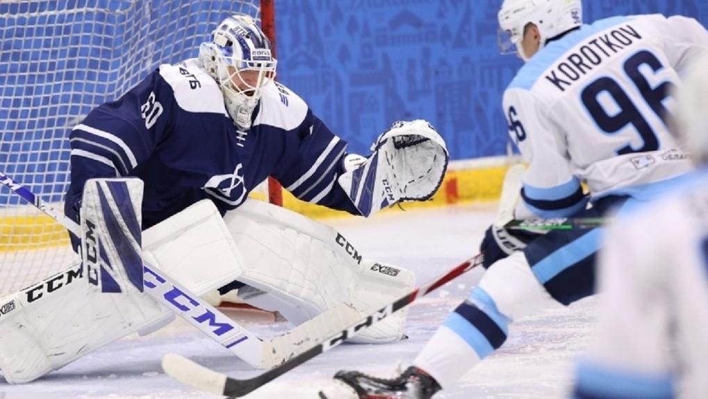 Хоккейная команда «Сибирь» сыграла вничью с клубом «Динамо»