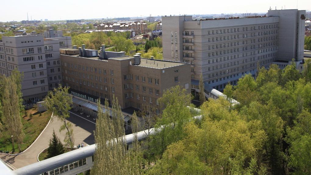 Одну из крупнейших в Омске больниц полностью закрыли под ковидных пациентов