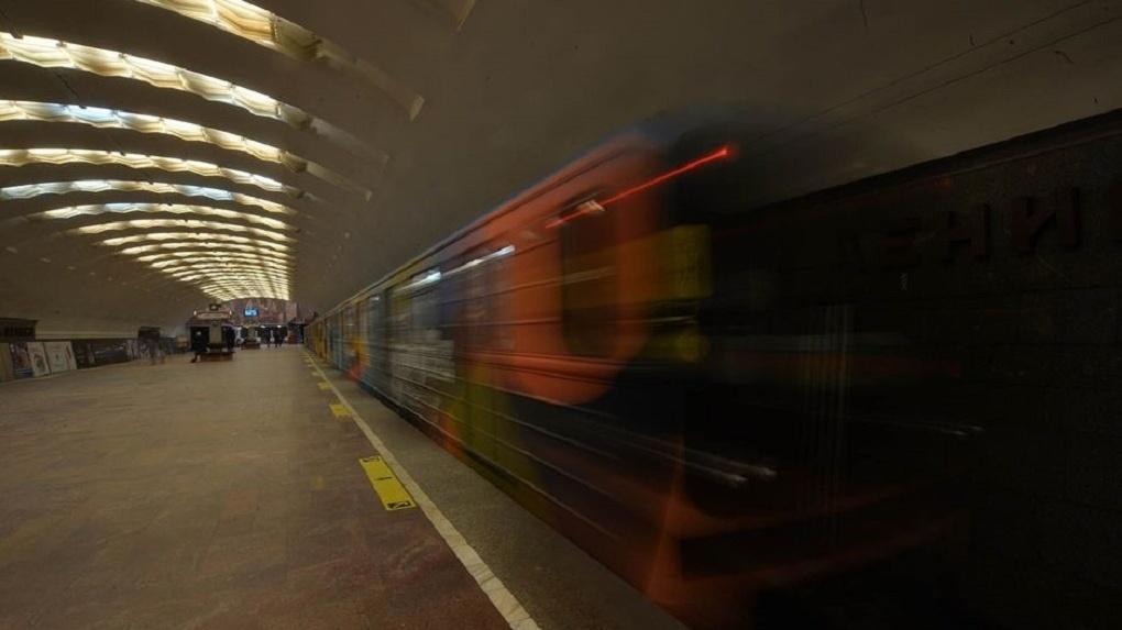 Власти раскрыли потери пассажиропотока новосибирского метро в 2020 году из-за коронавируса
