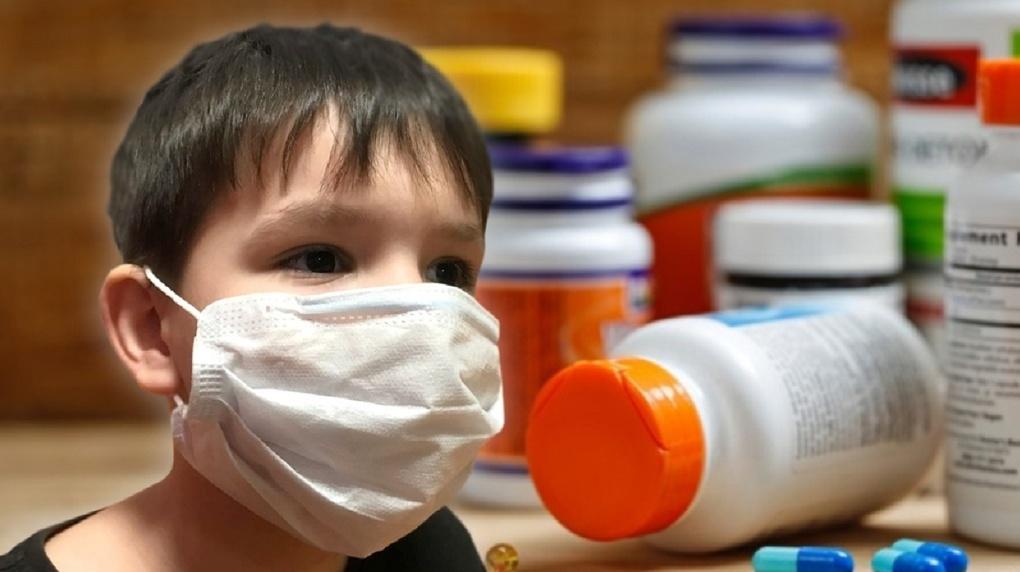 Классы в 13 школах и группы в двух детских садах Новосибирска закрыли на карантин из-за пандемии