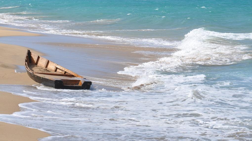 Четверо новосибирцев застряли на острове Тань-Вань во время шторма