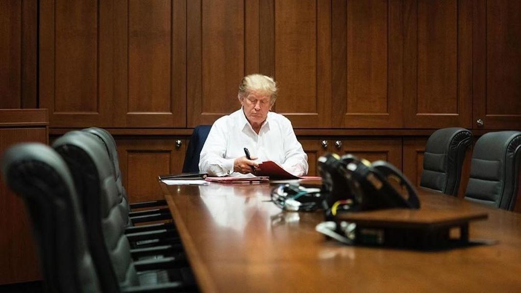 В Белом доме заявили об ухудшении состояния заражённого коронавирусом Дональда Трампа