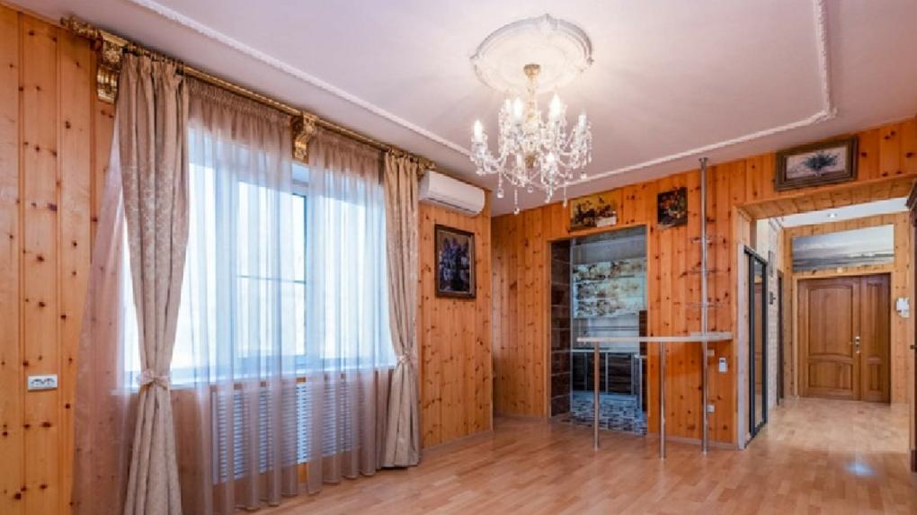 В центре Омска продаётся уникальная квартира за 10 миллионов рублей