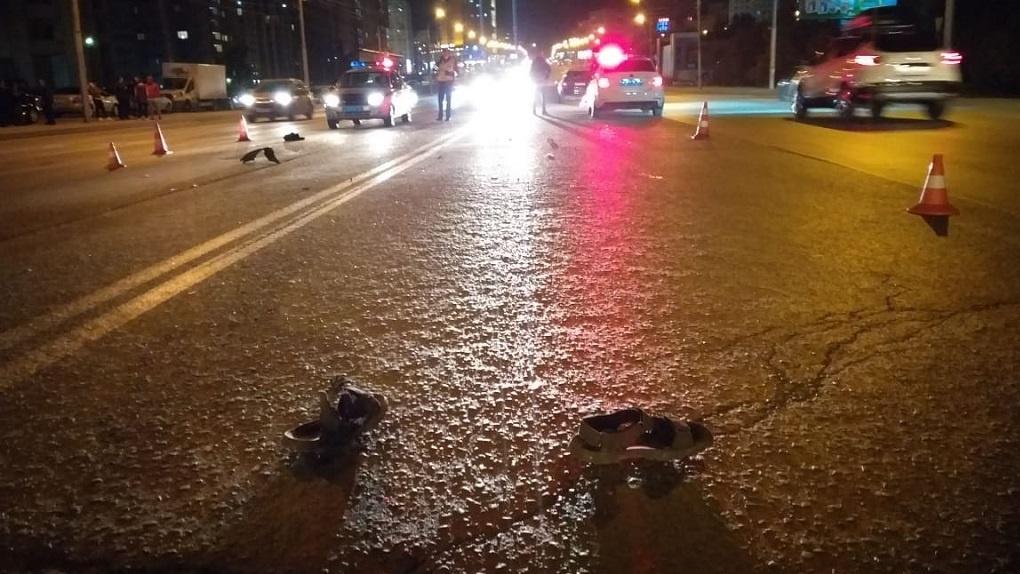 В Новосибирске иномарка насмерть сбила 25-летнего пешехода