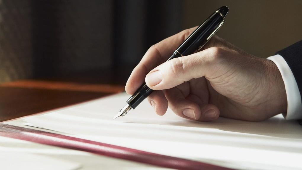 Омский Минстрой обвинили в «писательстве»