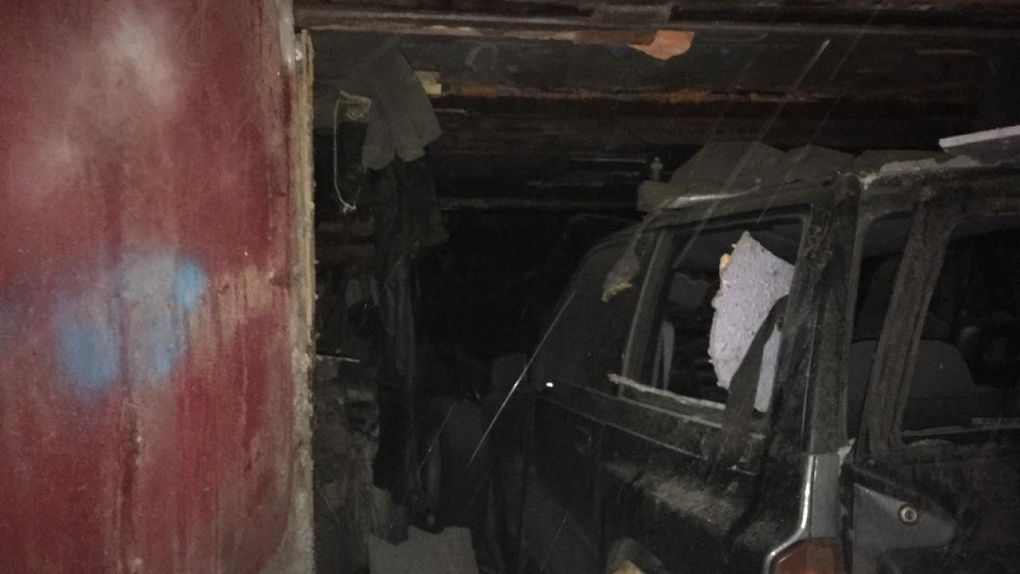 Гараж обрушился после взрыва газа в Новосибирске, пострадал мужчина