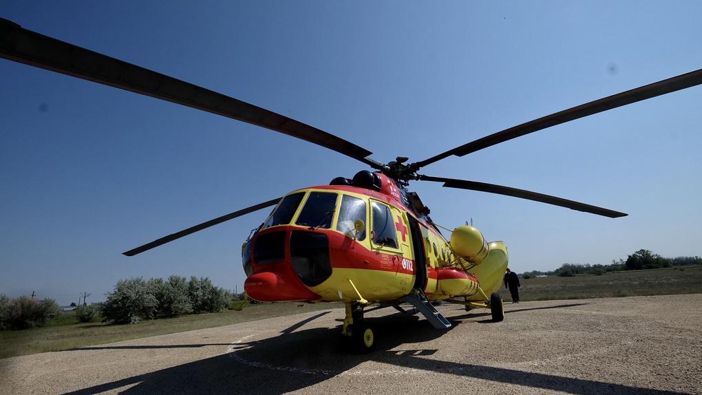 Свыше сотни «тяжёлых» больных эвакуировали в Новосибирск вертолётом санавиации