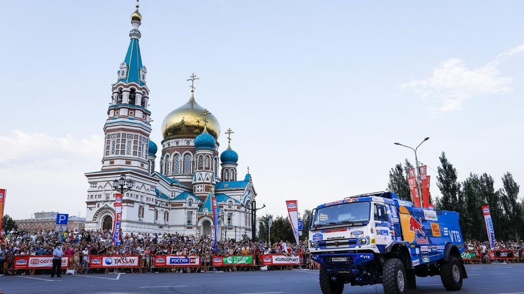 «Ростелеком» в Омске поддержал старт ралли «Шелковый путь»