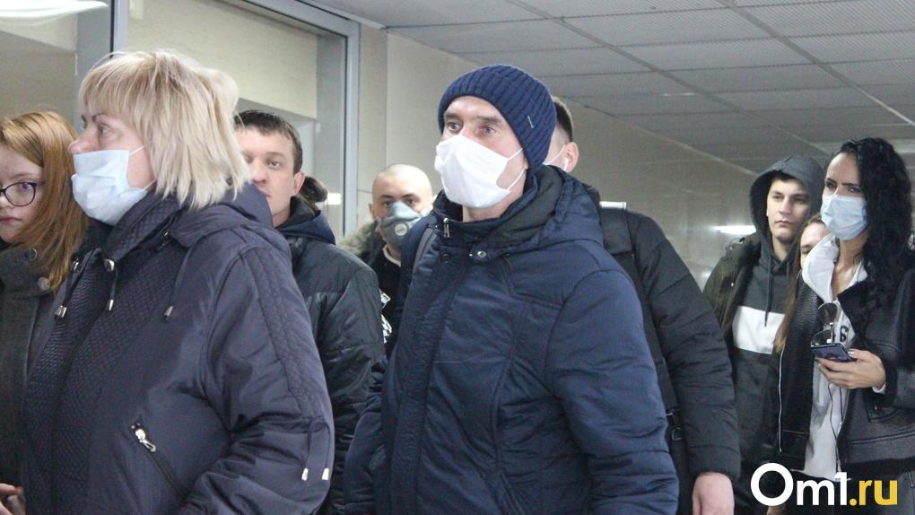 Массовый отток населения зафиксировали в Омской области