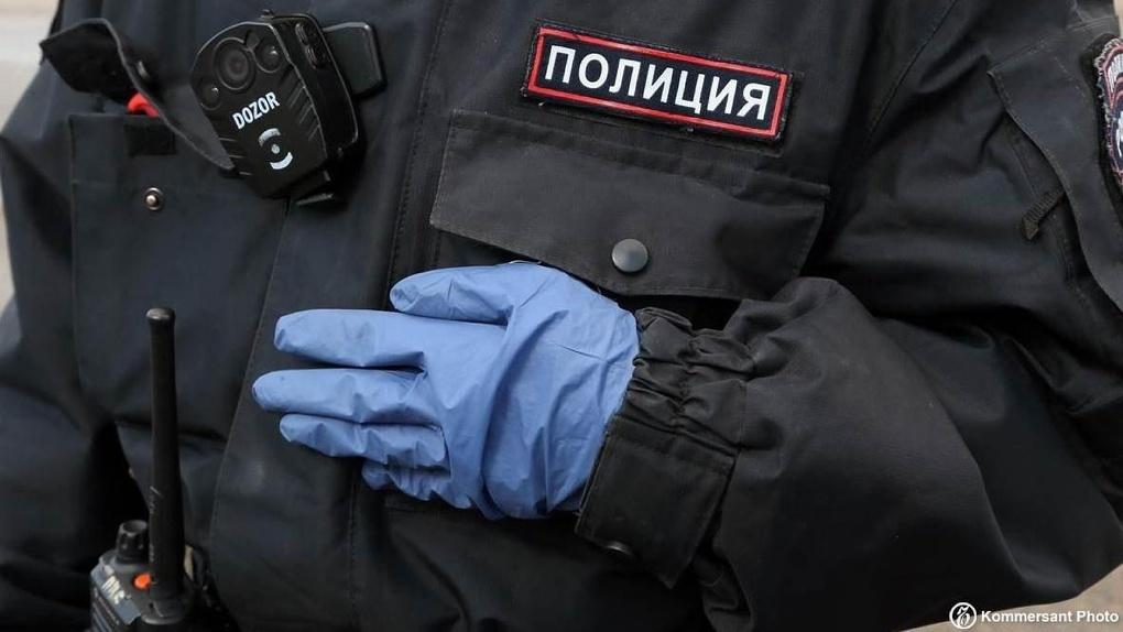 Выпавшего из окна москвича оштрафовали за нарушение режима самоизоляции