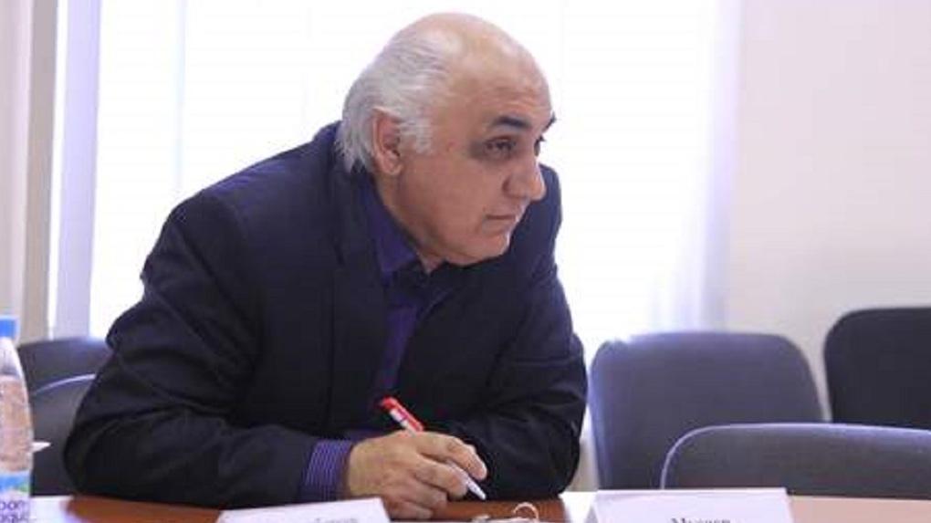 «Скорая помощь ехала недопустимо долго». В Омске умер доцент юрфака ОмГУ Рашид Мусаев