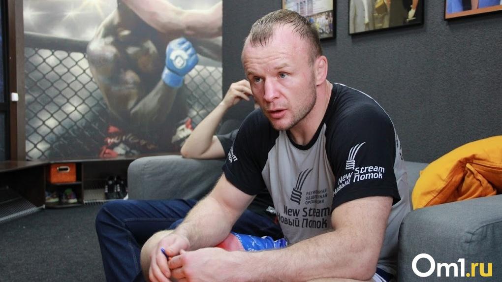 Выйдет на ринг спустя год. В России анонсировали бой Магомеда Исмаилова против омского бойца Шлеменко