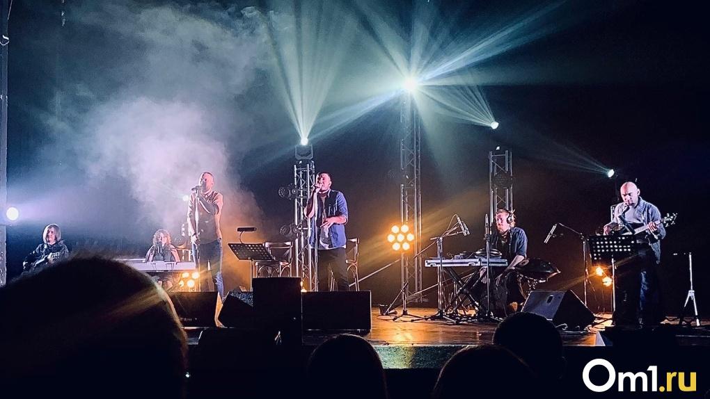 После концерта в Омске группа «Грот» выступила в «Вечернем Урганте»