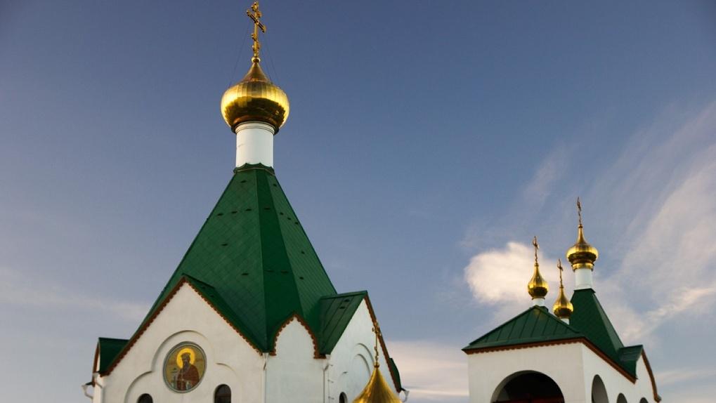 У второго новосибирского священника выявили коронавирус: под угрозой заражения храм и духовная гимназия
