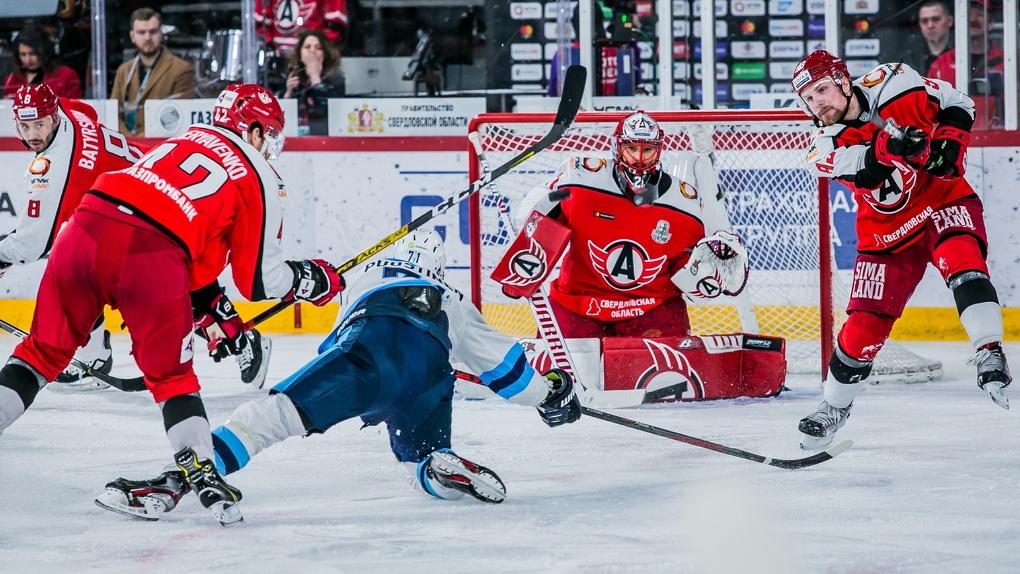 Нескольких хоккеистов новосибирского клуба отдадут орской команде