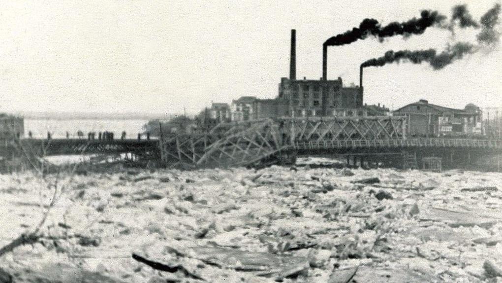 Роскошь, лед и танки: двухвековая история Юбилейного моста
