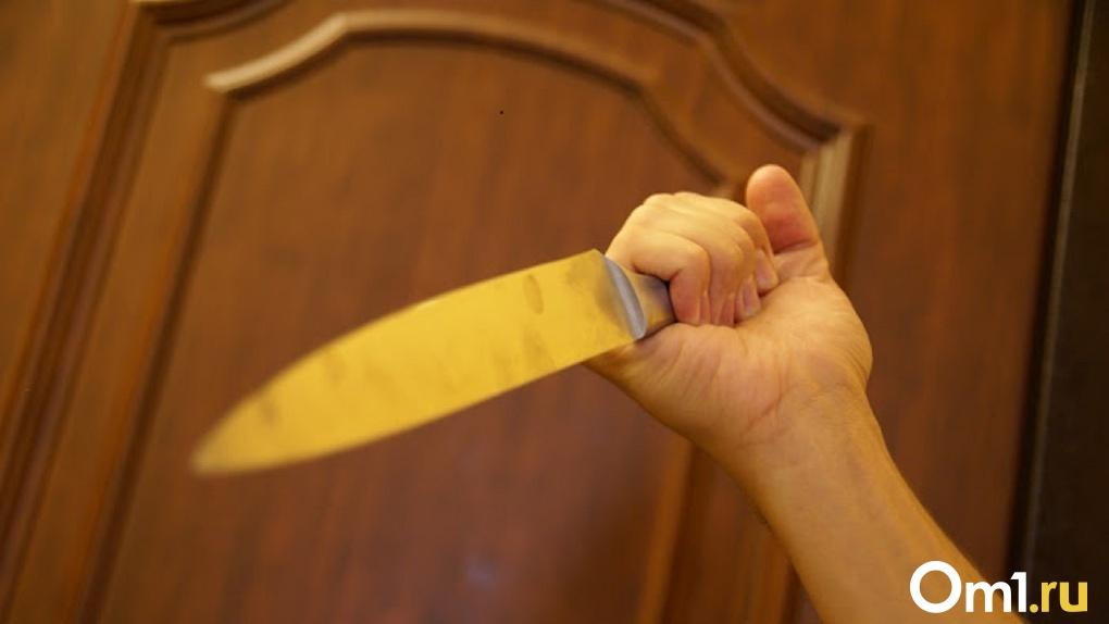 Ссора привела к реанимации. Молодой омич всадил нож в грудь отчиму
