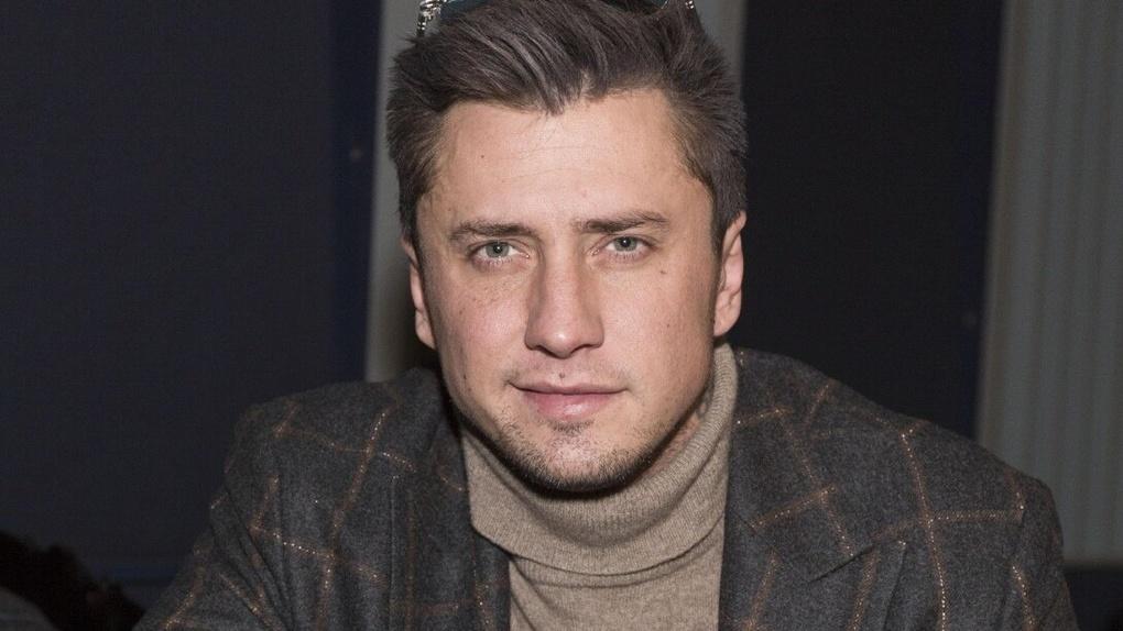 «Мой динозаврик»: знаменитый актёр из Новосибирска Павел Прилучный показал новорождённого сына
