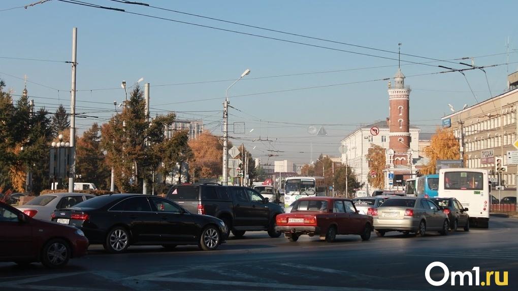 Омская мэрия расторгла контракт с подрядчиком на ремонт трёх дорог