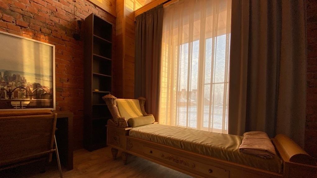 Под Омском продают коттедж с ремонтом от известного московского дизайнера за 15 млн рублей
