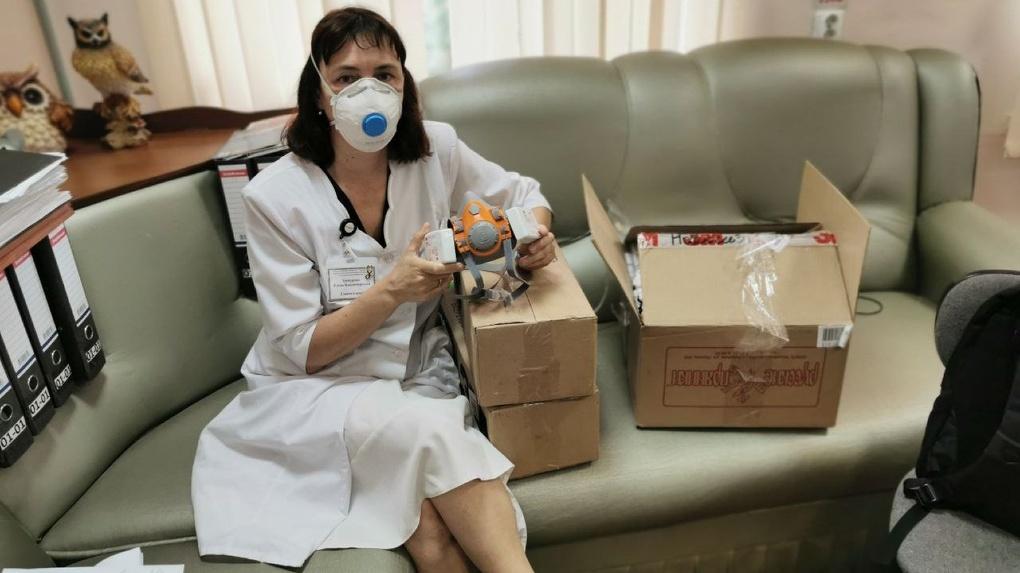 Новосибирские общественники собирают деньги на кислородные концентраторы для медиков
