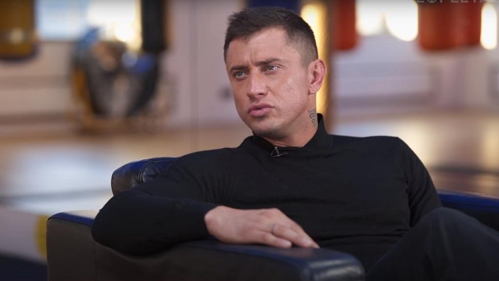 Новосибирский актёр Павел Прилучный рассказал, как торговал шубами и купальниками