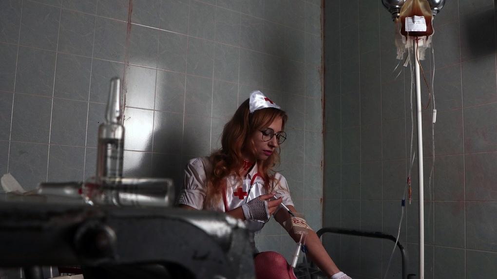 Убийца беременной омички, которую жестоко зарезали в подъезде, отсиживался в психиатрической больнице
