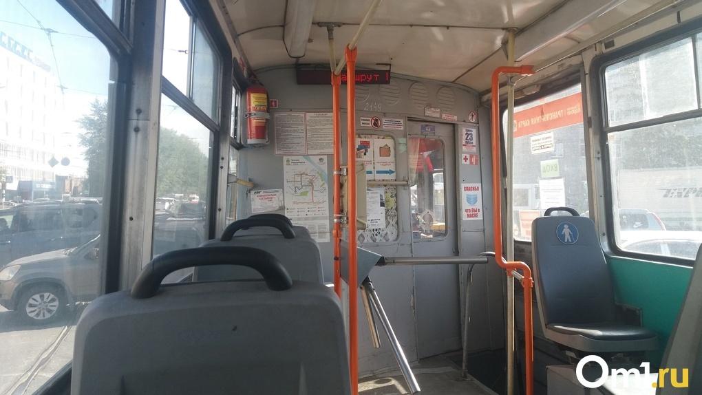 Трамвайный маршрут № 13 закрыли из-за ремонта теплотрассы в центре Новосибирска