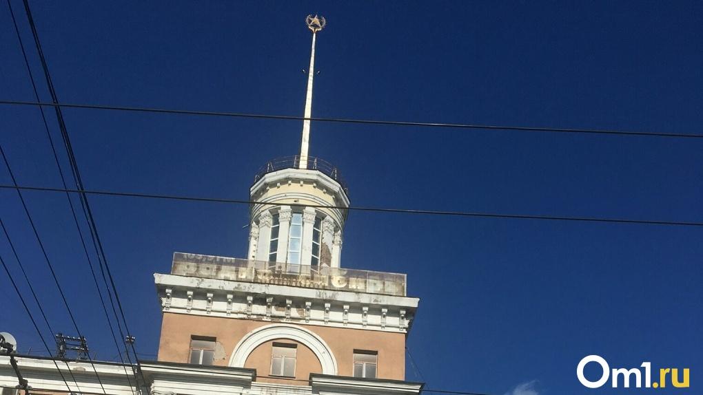 Подрядчики отказываются ремонтировать знаменитый дом со шпилем