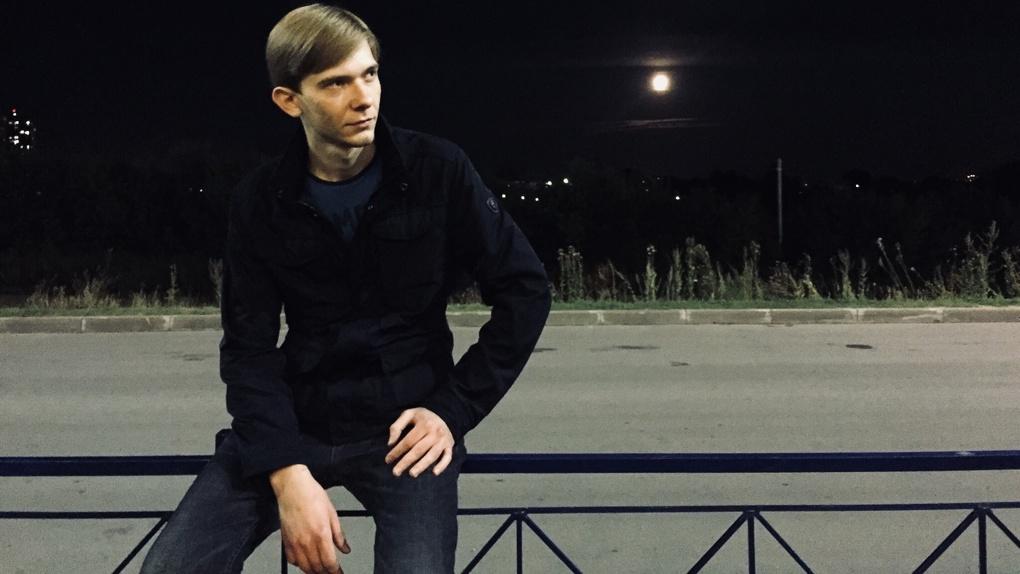 «Хотел жениться»: новосибирцы рассказали о несчастной любви обвиняемого в убийстве магистранта