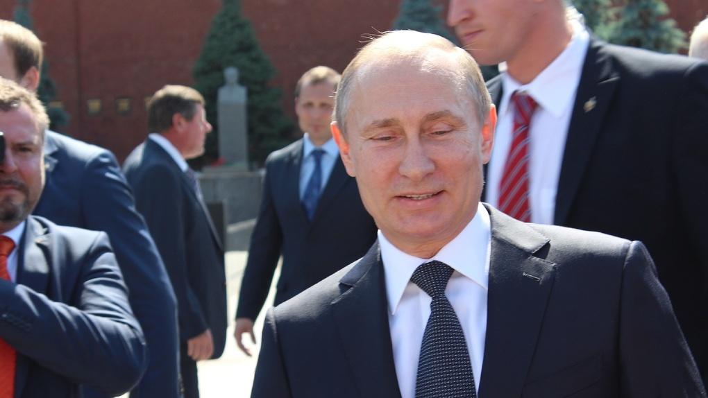 Стало известно, о чем омский губернатор говорил с президентом