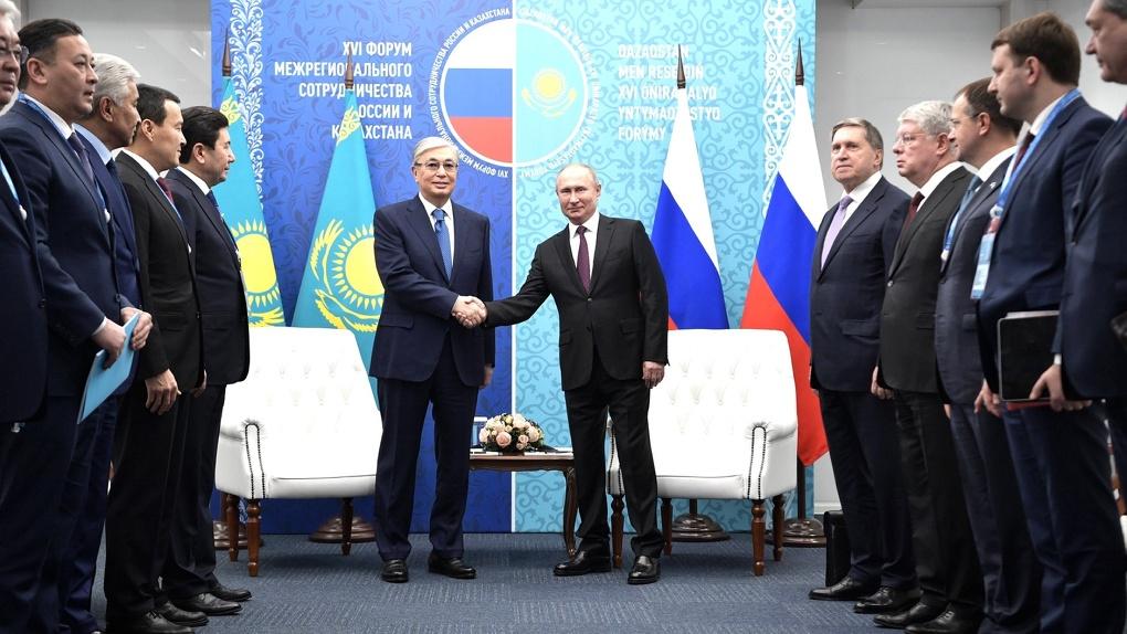 Президент Казахстана окунулся в Омск и ему понравилось