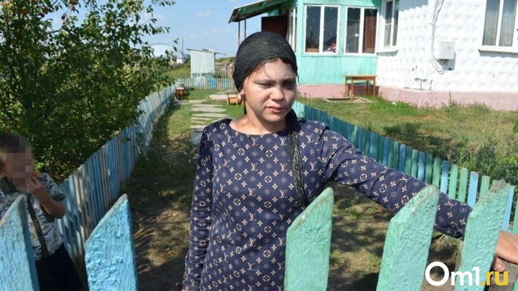 «У дочери всё гнило». Обнародованы шокирующие подробности жизни омской семьи, где убили ребёнка