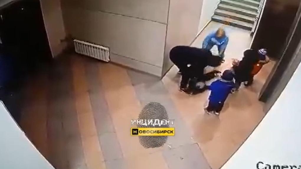 «Страшно наблюдать»: детский омбудсмен проверит семью избитого дедом ребёнка в Новосибирске