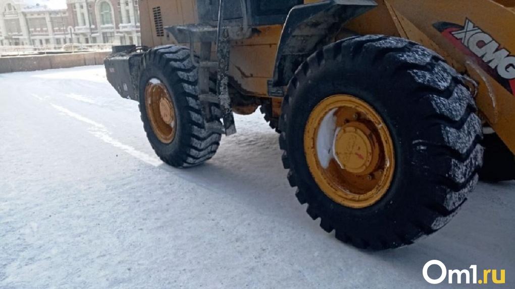 Автомобили не ставить: на 12 улицах Новосибирска проведут уборку снега ближайшей ночью