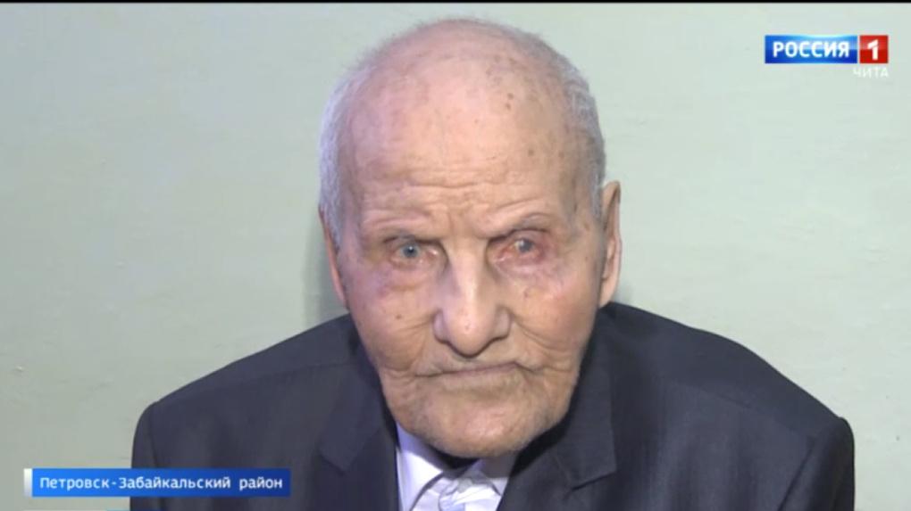 Курсанту новосибирского военного училища исполнилось 102 года